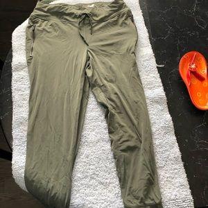 Avia fatigue green sweat pants